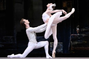 Odeon Cinema : Bolshoi: Swan Lake