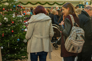 Hever Castle : Hever Christmas Fair