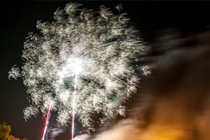 Rusthall : Rusthall Bonfire, Torchlight Parade and Fireworks