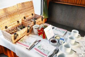 Spa Valley Railway : Afternoon Tea at the Spa Valley Railway
