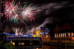 Tonbridge : Tonbridge Round Table Fireworks Night